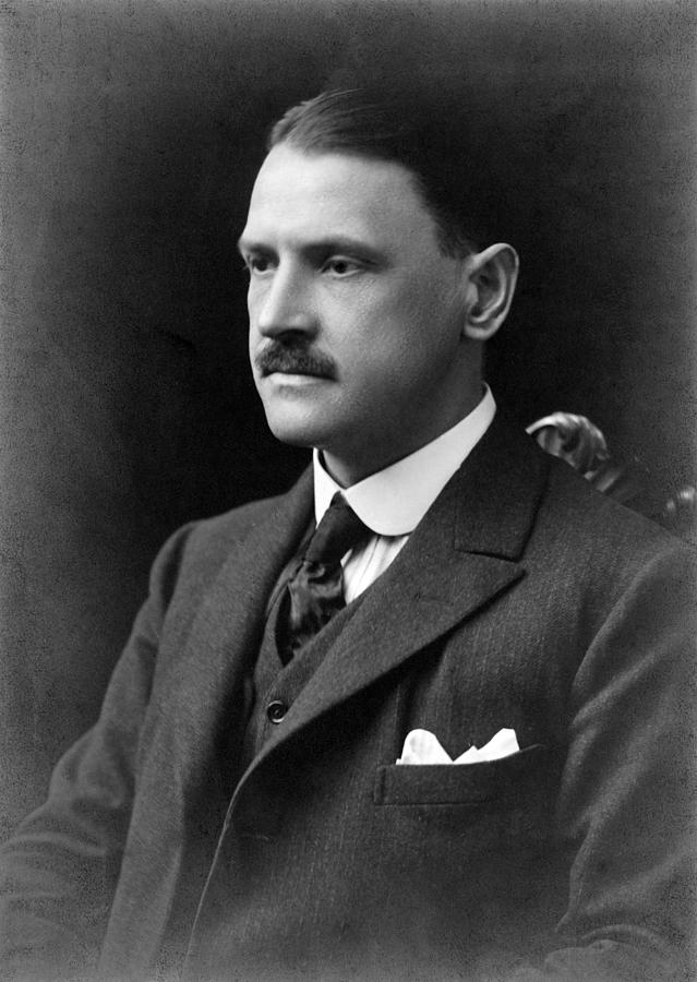 the luncheon william somerset maugham A short critical analysis of the luncheon by william somerset maugham covers the basic and important elements of the short story by mnrskaap in types.