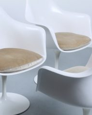 knoll-international-set-white-150-vintage-tulip-chairs-seventies-eames-era-9